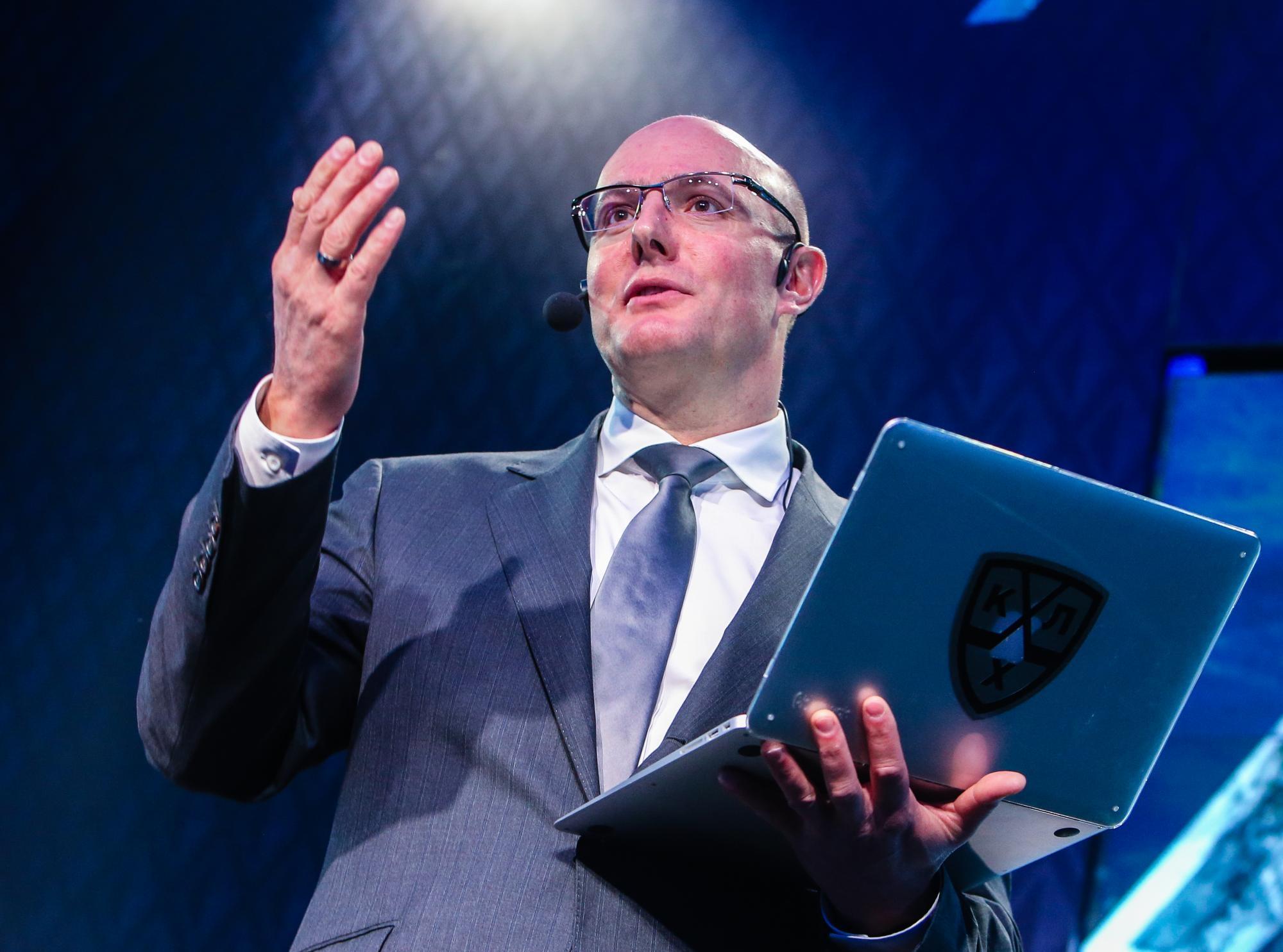 Чернышенко поддержал решение Первого канала отказаться отхоккейных трансляций Евротура