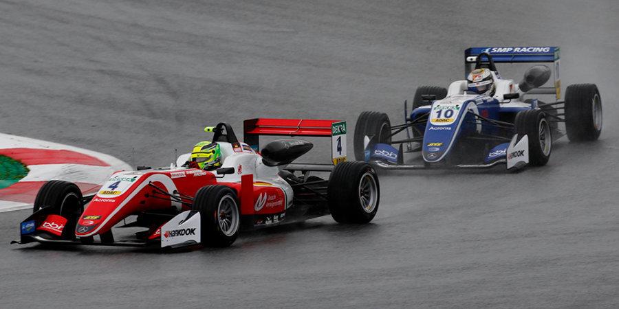 Опубликованы календари «Формулы-2» и «Формулы-3»