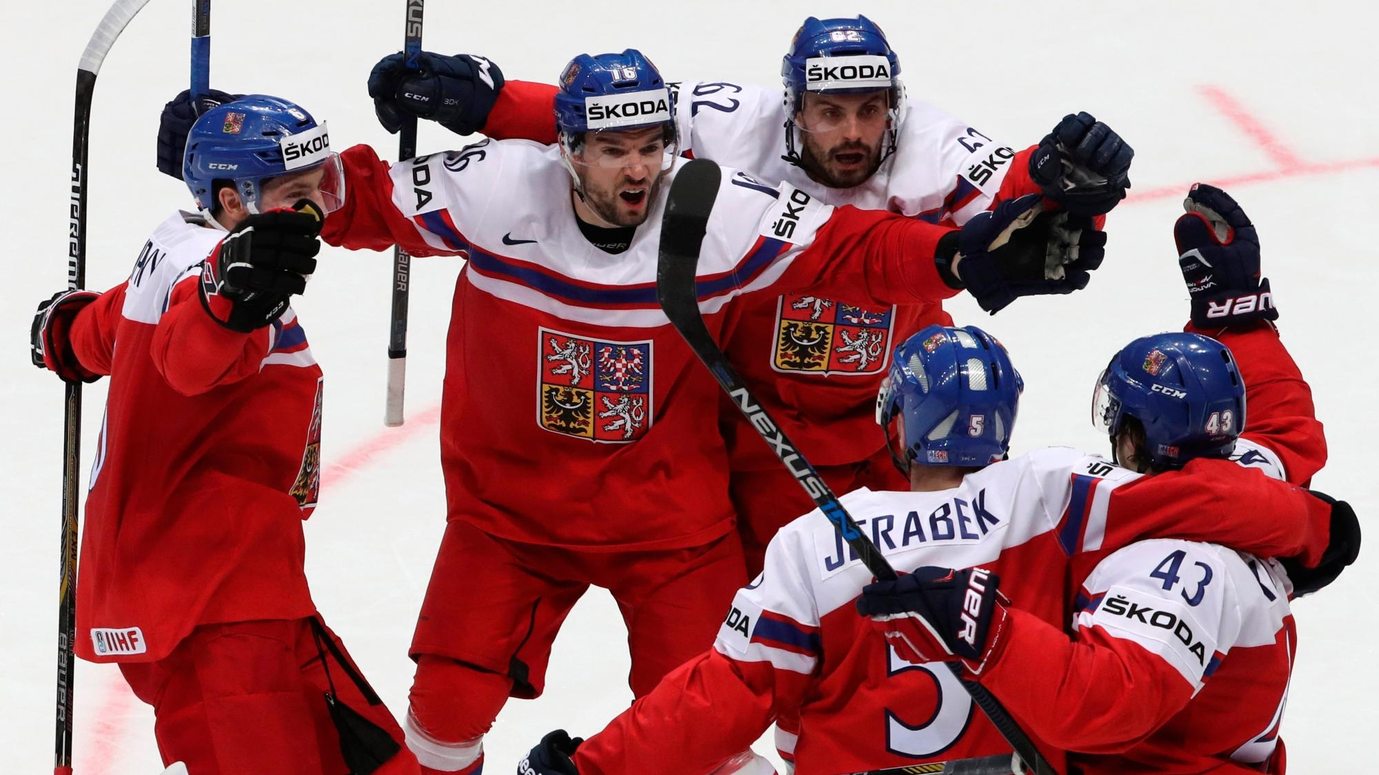 Чехия крупно обыграла Италию, Финляндия сильнее Великобритании