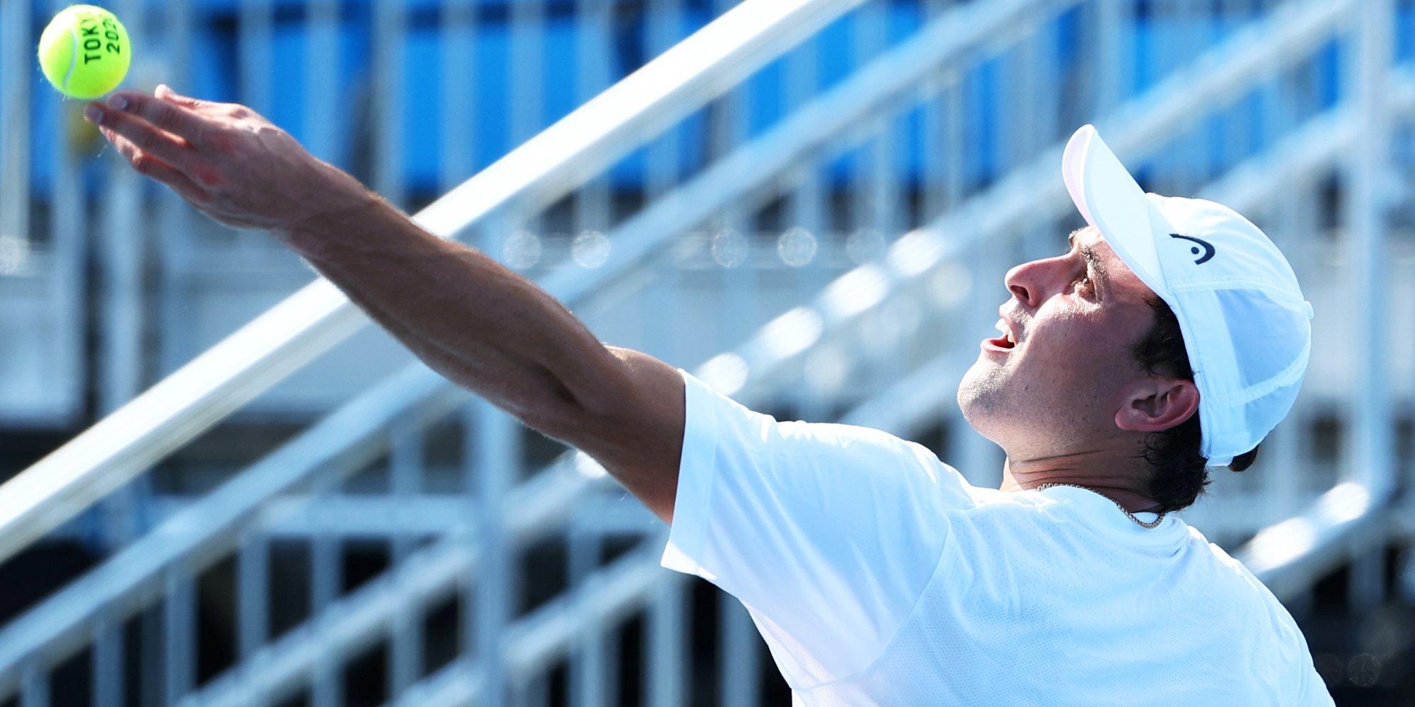 Камбэк Карацева на US Open, стартовые матчи КХЛ, результаты квалификации ЧМ-2022 и другие ночные новости