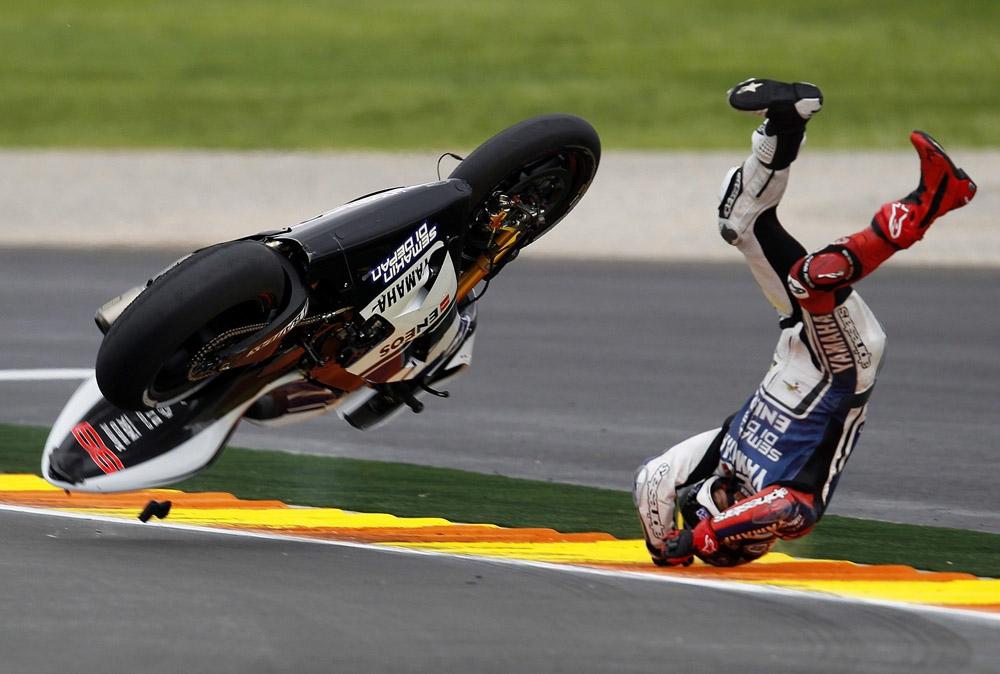 Падение с мотоцикла картинки