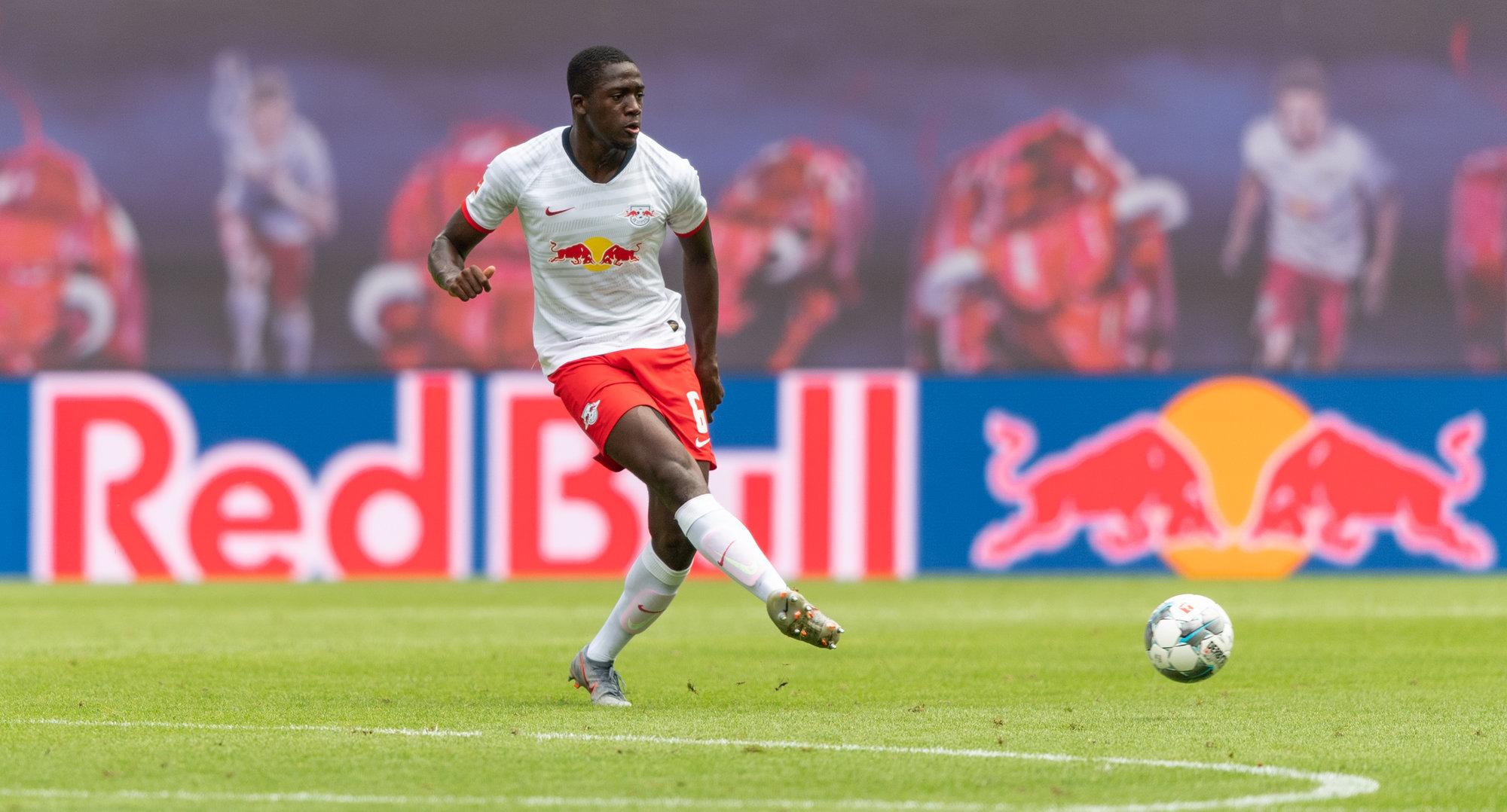 «Ливерпуль», «МЮ» и «Челси» претендуют на защитника «Лейпцига» Конате