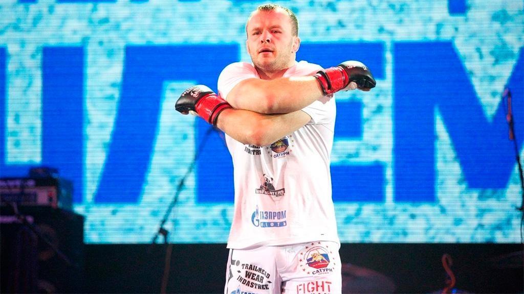 После 35-секундного проигрыша омский боец Шлеменко взял реванш за25 секунд