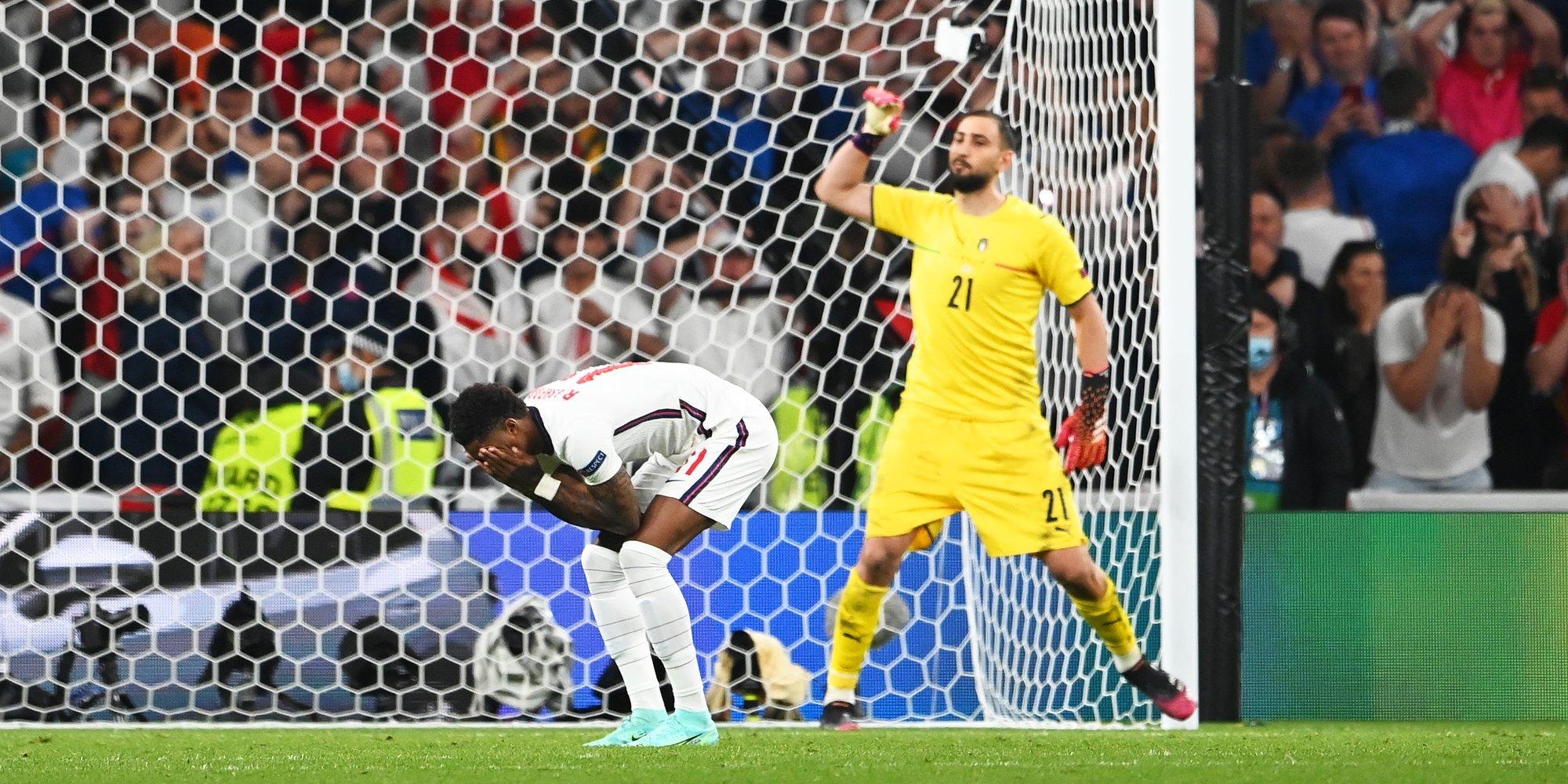Twitter удалил свыше 1 тысячи расистских комментариев в адрес игроков сборной Англии после финала Евро-2020