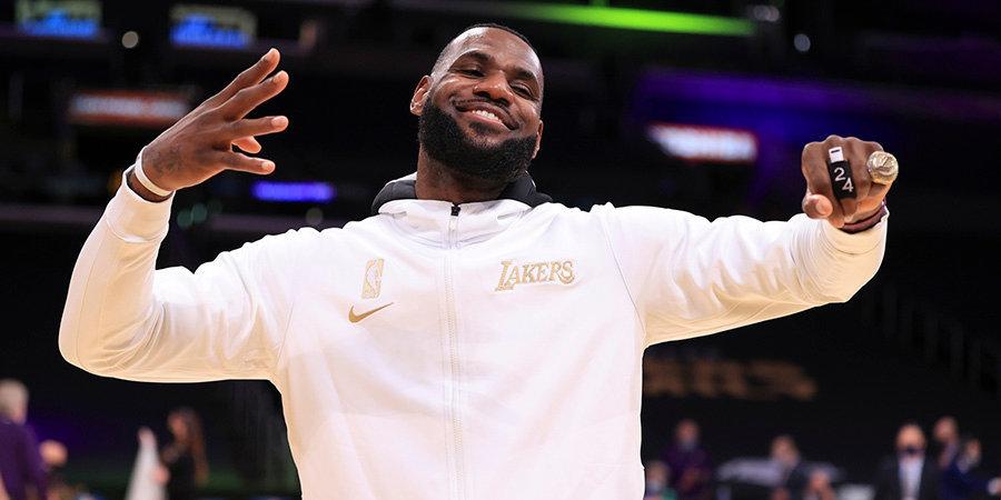 Леброн оформил 10 трипл-даблов в возрасте старше 35 лет и установил рекорд НБА