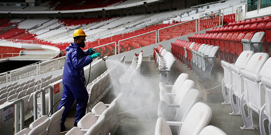 Год назад футбол ушел в другое измерение. Что будет дальше?