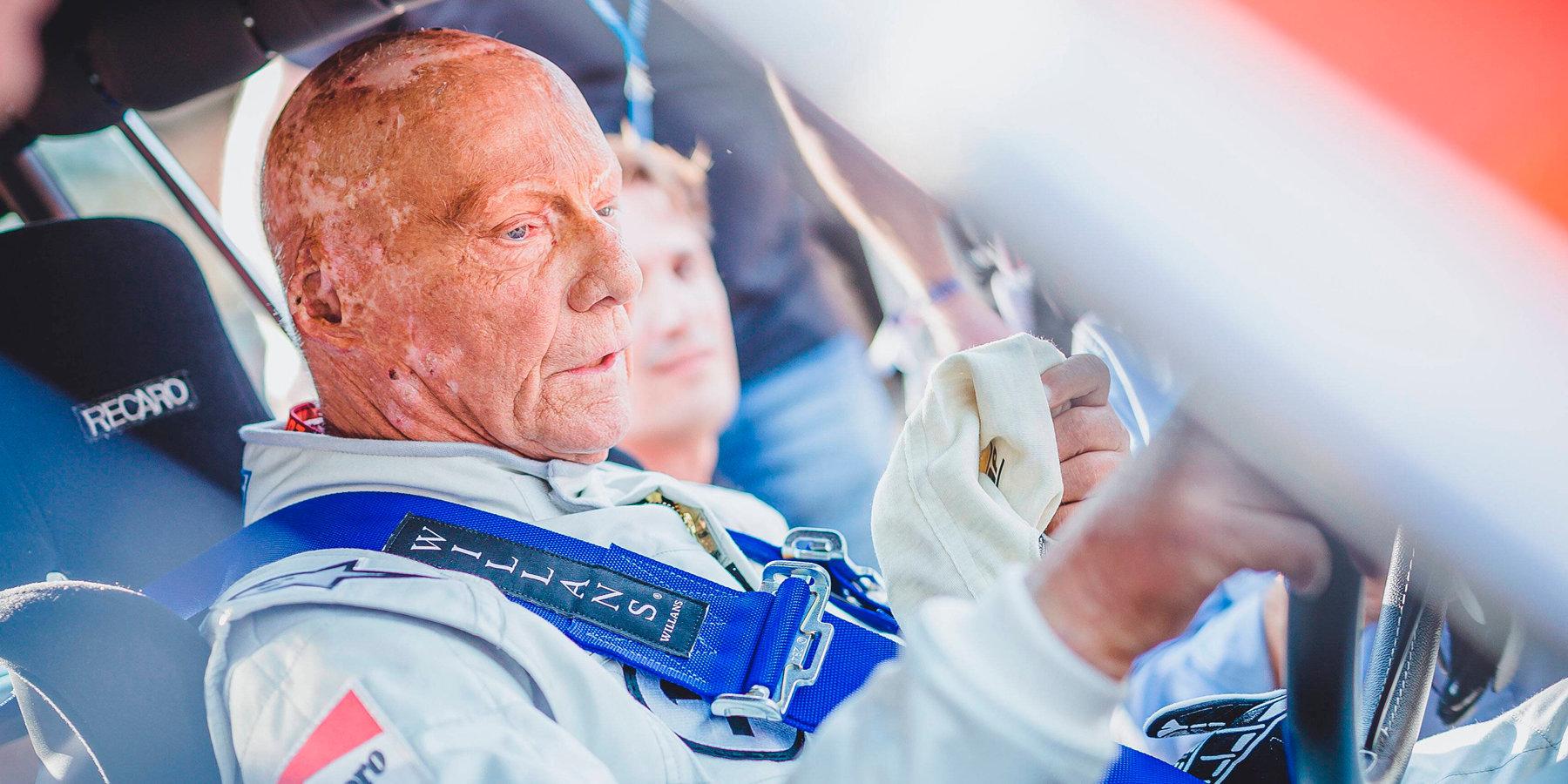 3-кратный чемпион Формулы-1 Лауда вкритическом состоянии, ему пересадили легкое