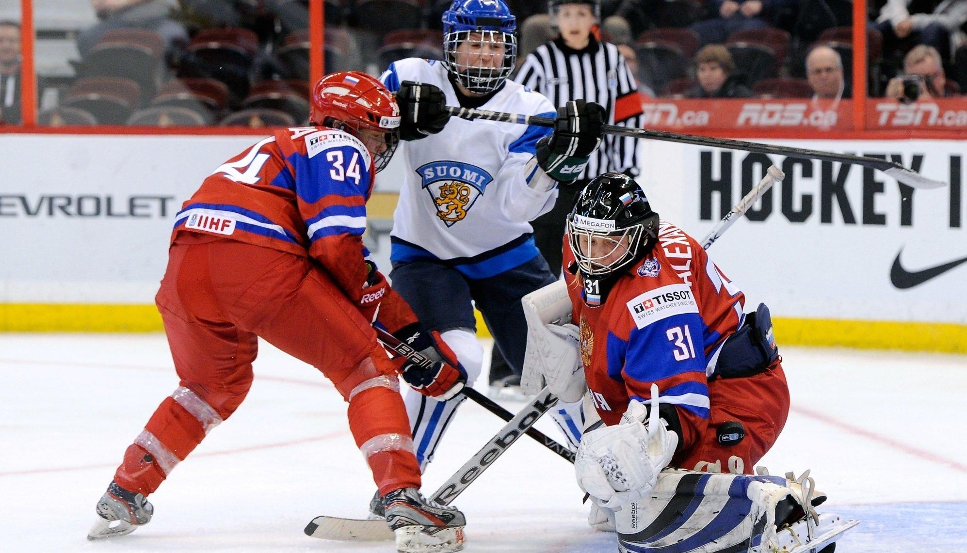 Женская сборная РФ похоккею проиграла Канаде срезультатом 0:8