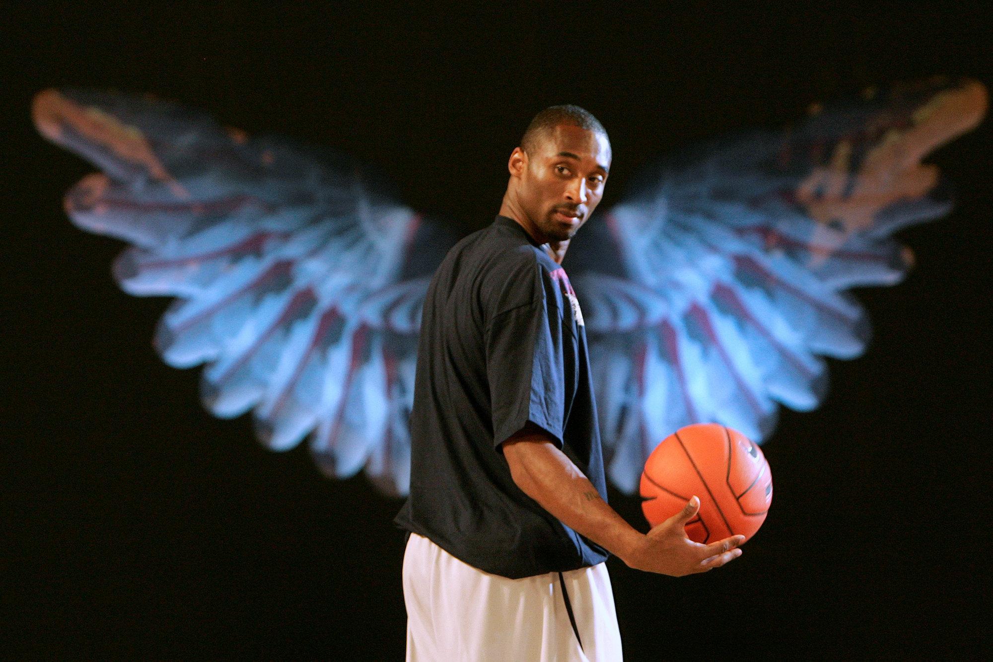 «Черные короли построили эту лигу». Ирвинг призвал поместить силуэт Коби на логотип НБА