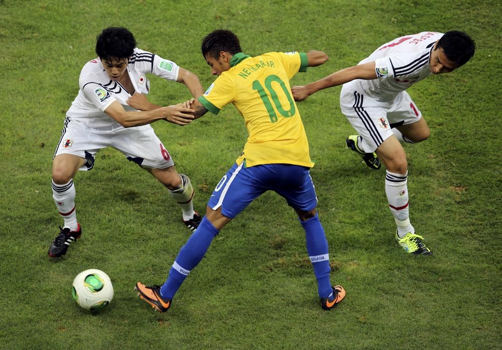 Обучение финтам в картинках футбольных матчей