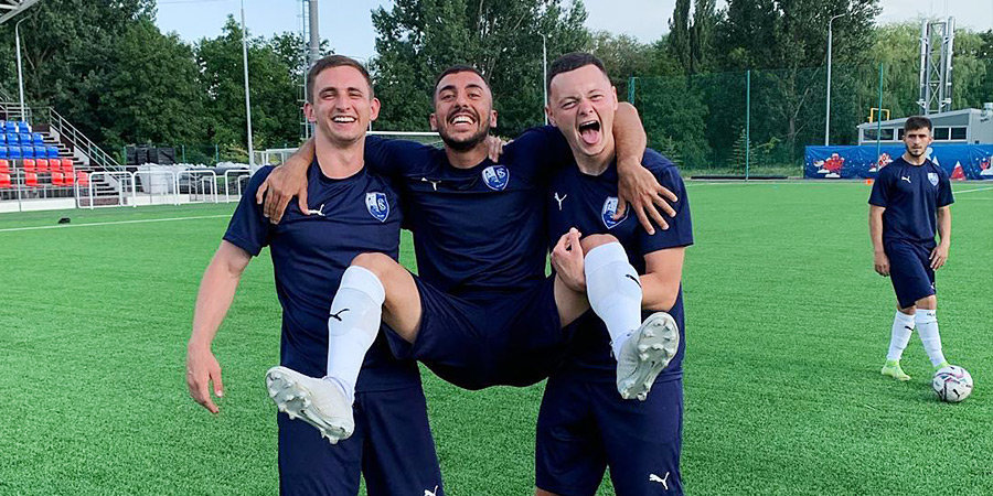«Сахалинец» стал первым в России футбольным клубом с 1 миллионом подписчиков в Instagram