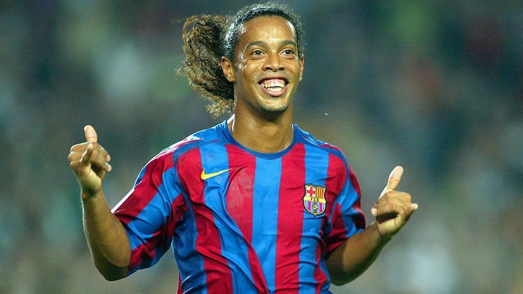 Роналдиньо вернулся напост посла «Барселоны» вмире