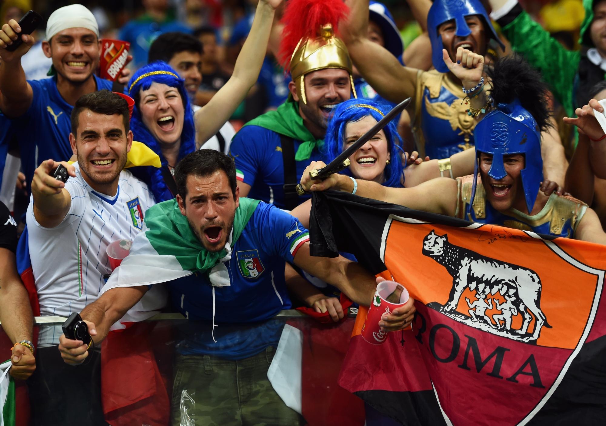 фото итальянские болельщики по футболу плачут полную любви