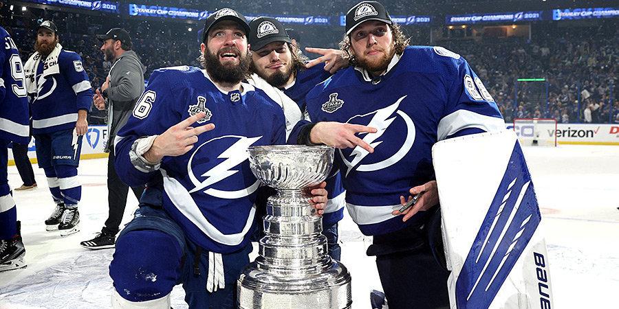 Хоккеисты «Тампы» привезли Кубок Стэнли в Москву