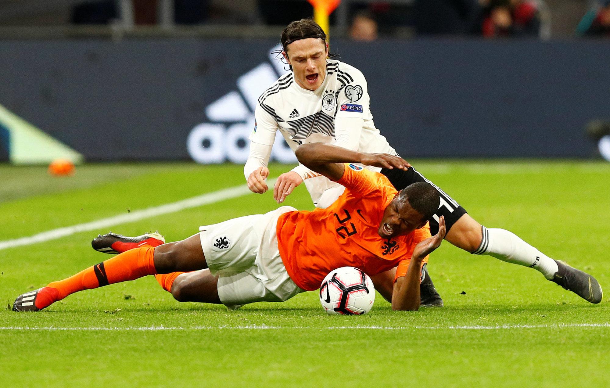 Нидерланды отыгрались с 0:2, но уступили немцам, Белоруссия проиграла Северной Ирландии