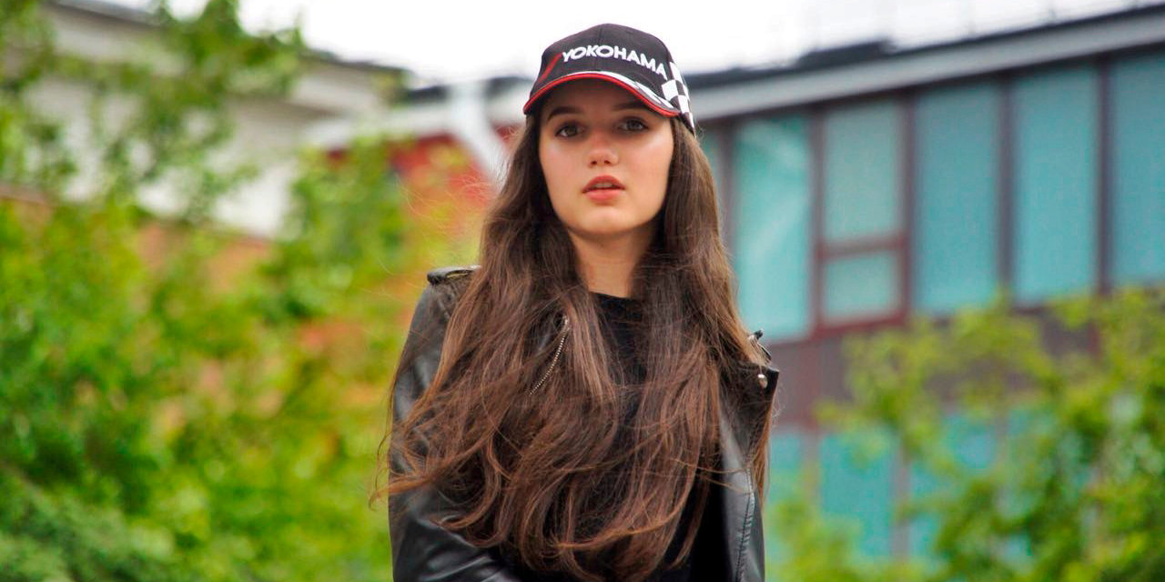 Российская гонщица Сидоркова получила травму в результате аварии в гонке азиатской «Формулы-3» (фото)