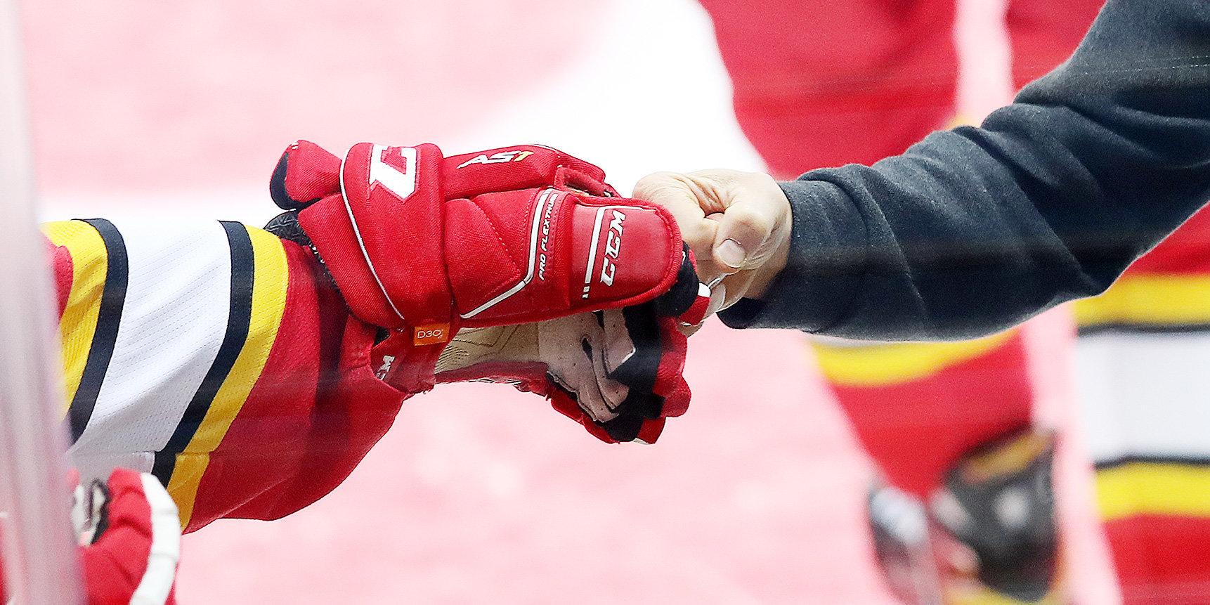 «Куньлунь» продлил контракт с Челиосом и вернул из ВХЛ двух канадцев китайского происхождения