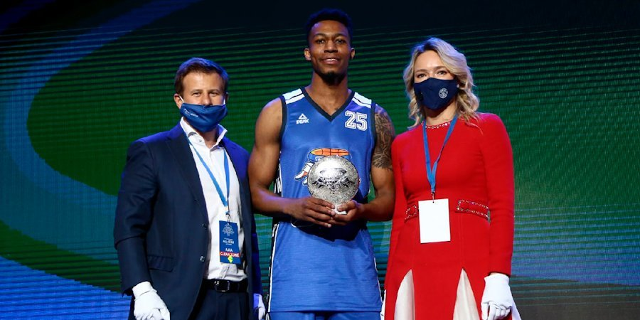 Бэттл стал победителем конкурса данков Матча звезд Единой лиги