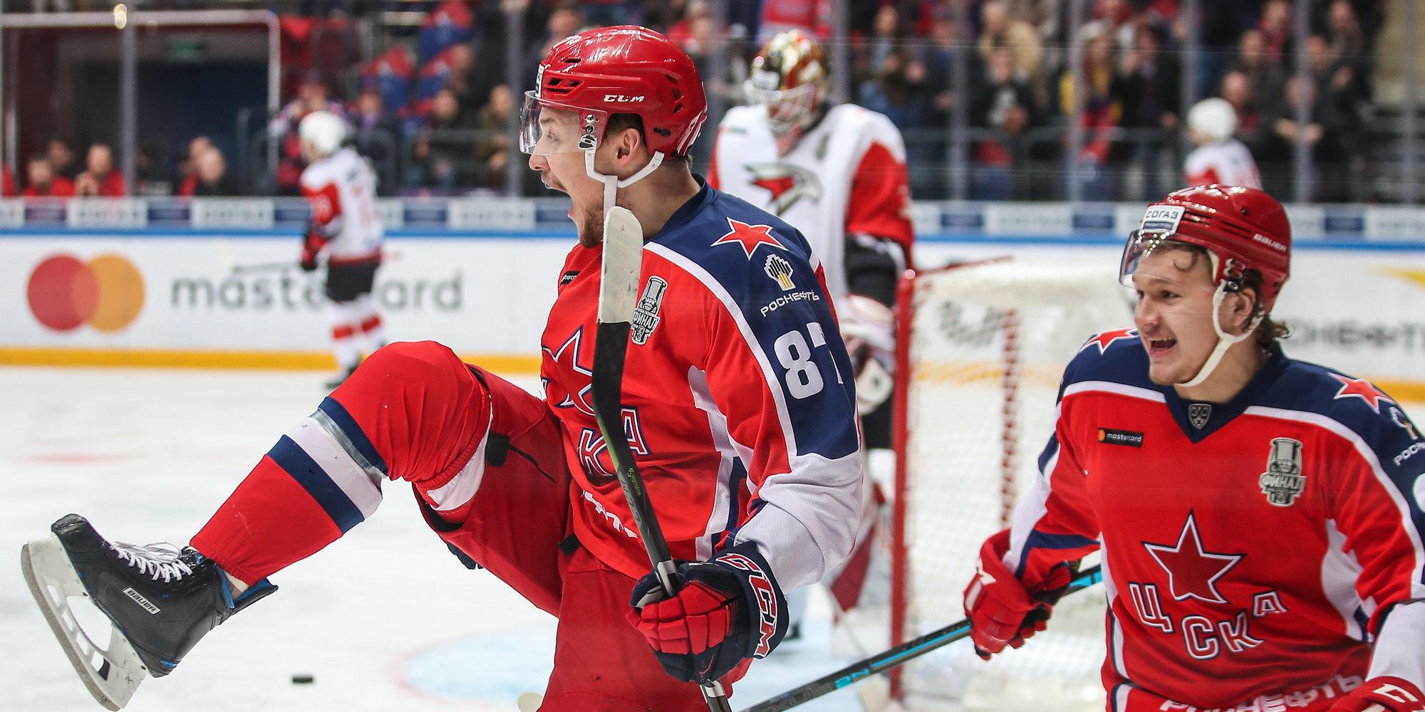 ЦСКА продлил контракт со Светлаковым