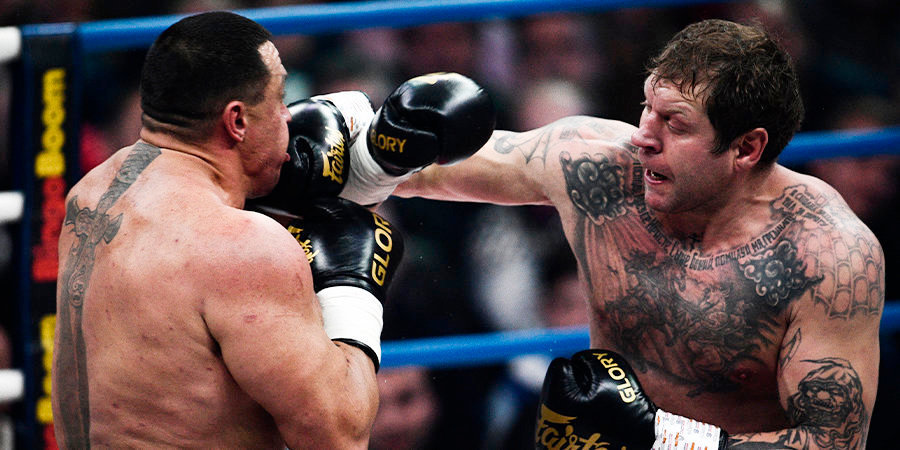 Появилось видео жестких спаррингов Емельяненко с боксерами