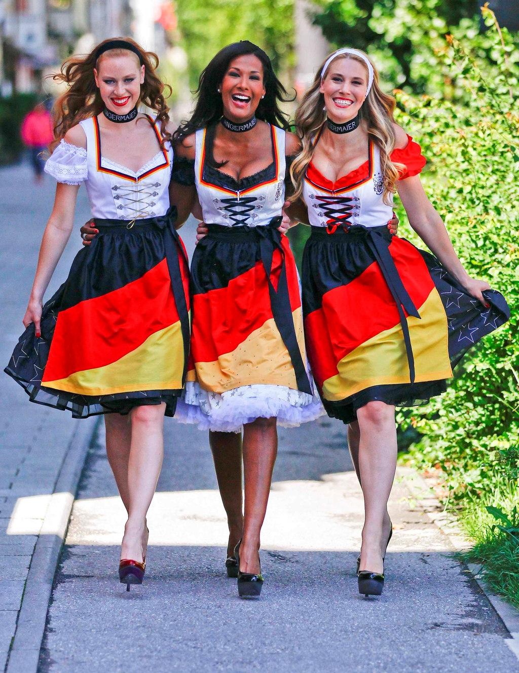 Платья из германии девушке