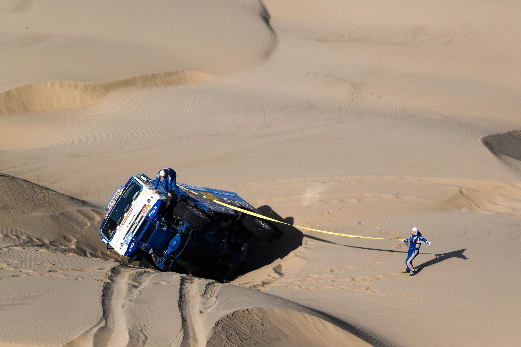 «КАМАЗ-Мастер» лишился второго грузовика: на старт шестого этапа не выйдет экипаж Мардеева