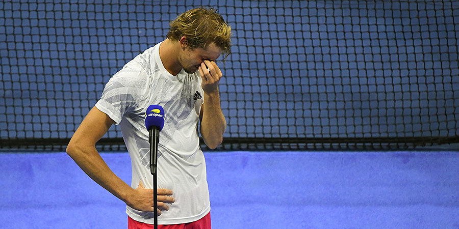 «Родители не прилетели из-за положительно теста. Надеюсь, однажды я привезу домой кубок». Зверев не смог сдержать слез в финале US Open