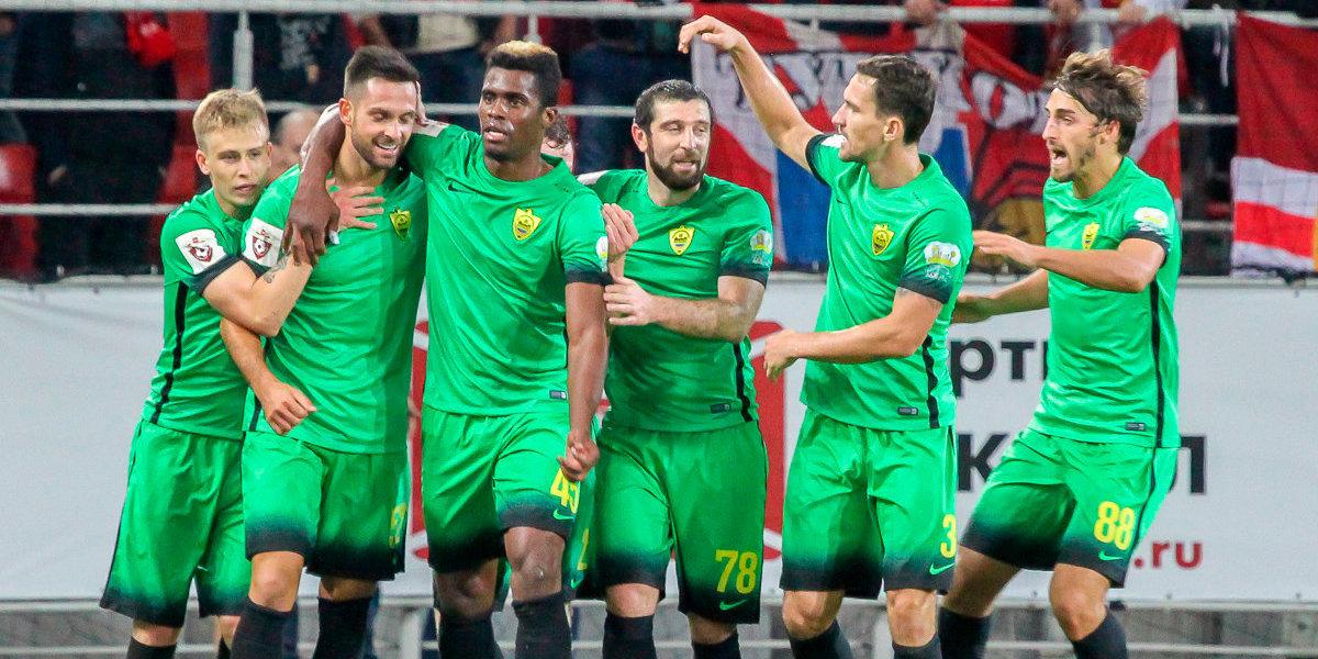 В анжи переходит легенда испанского футбола