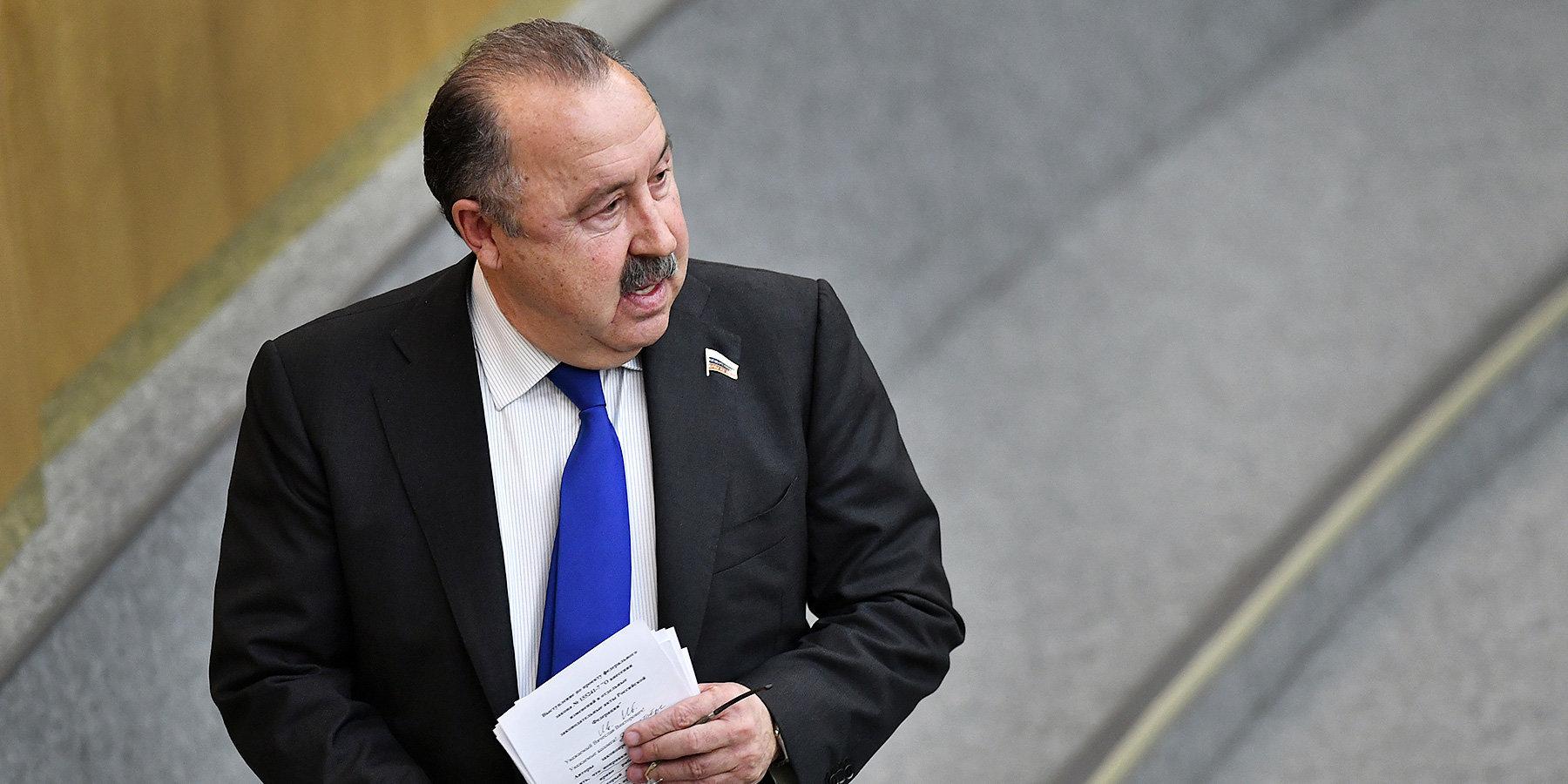 Валерий Газзаев: «Футбольная сборная недавно проиграла 0:5, тоже стали требовать отставки Черчесова»