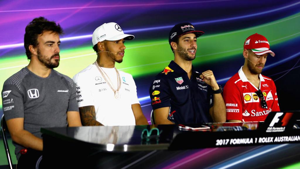 Первую квалификацию сезона в«Формуле-1» одержал победу Льюис Хэмилтон