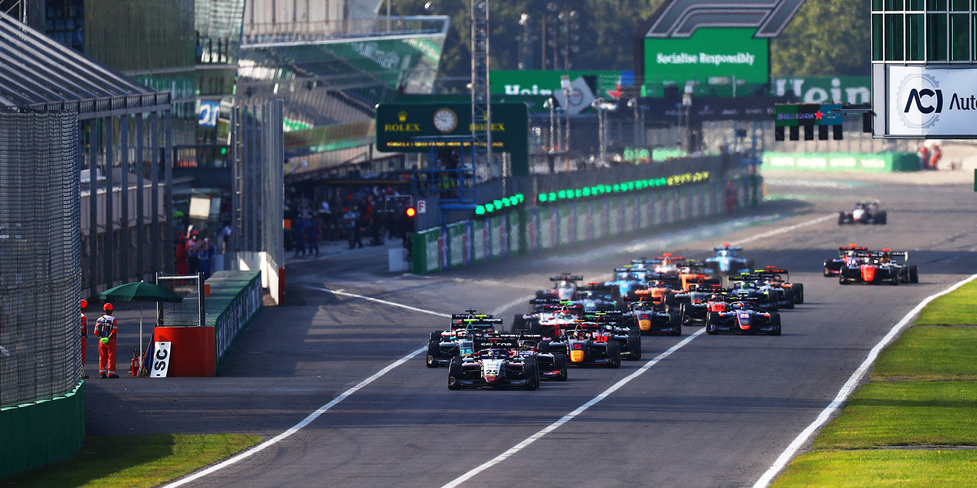 Норвежец Хаугер выиграл третью гонку «Ф-3» в Испании,  россиянин Смоляр — 11-й