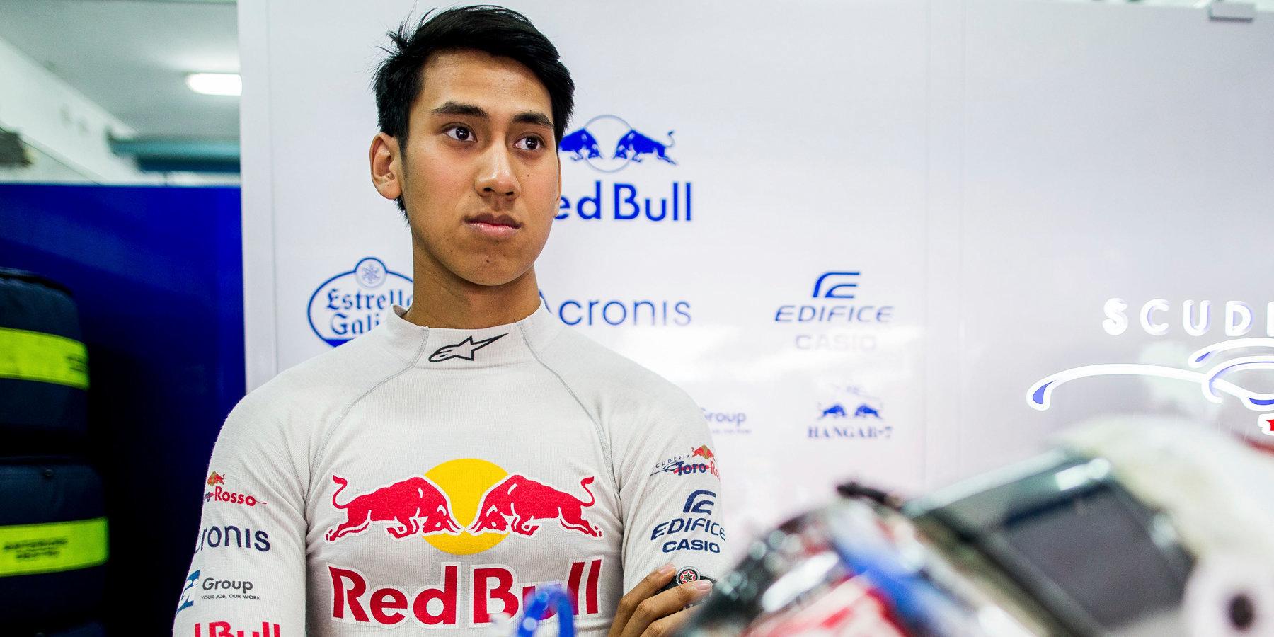 Гонщик «Формулы-2» не смог финишировать в Барселоне из-за перелома позвонка