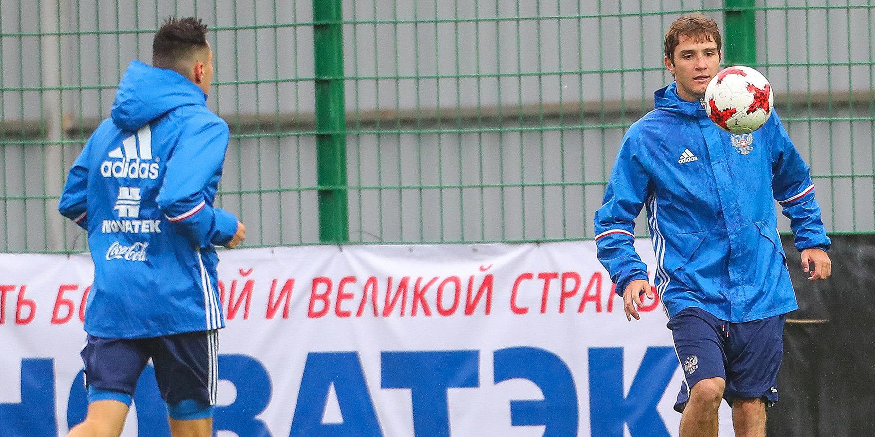 Тренировку сборной Российской Федерации пофутболу посетили дети сДЦП