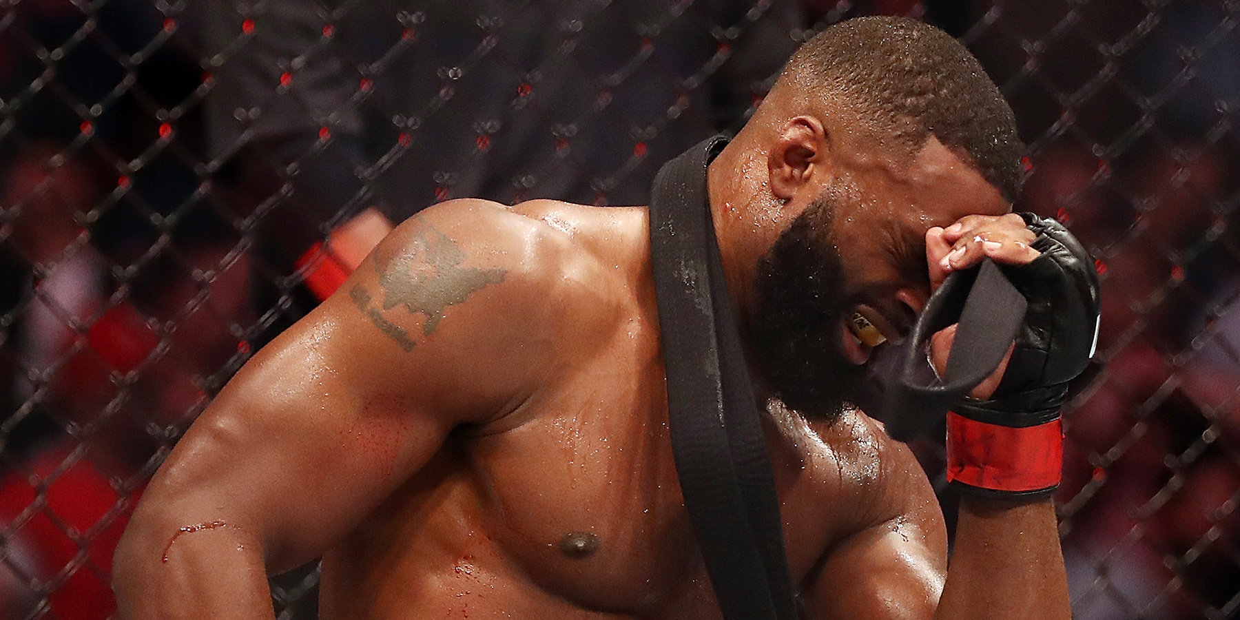 Тайрон Вудли уволен из UFC