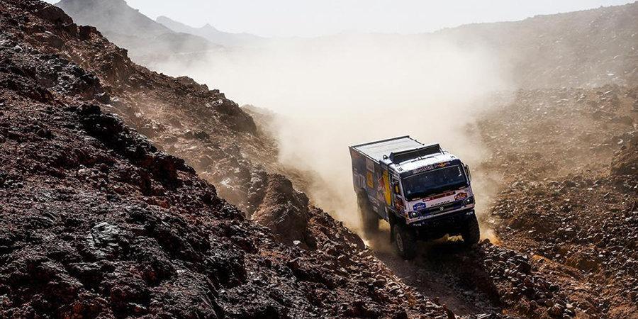 Гонщик «КАМАЗа» рассказал о столкновении с вертолетом на «Дакаре»