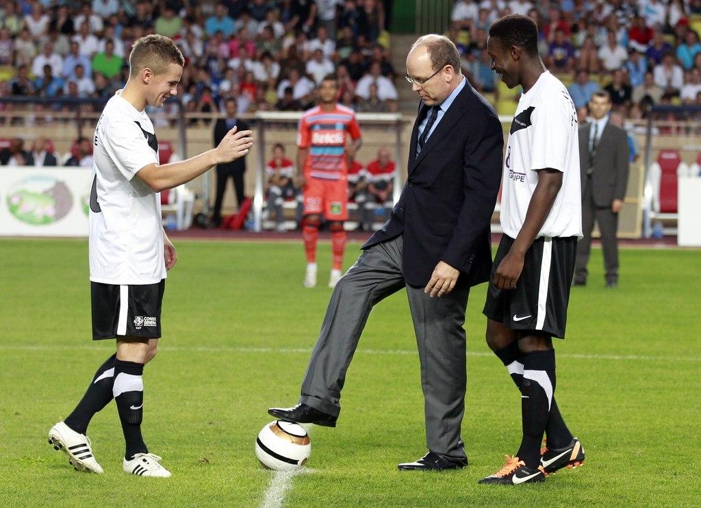 Манчестер юнайтед марсель благотворительный матч