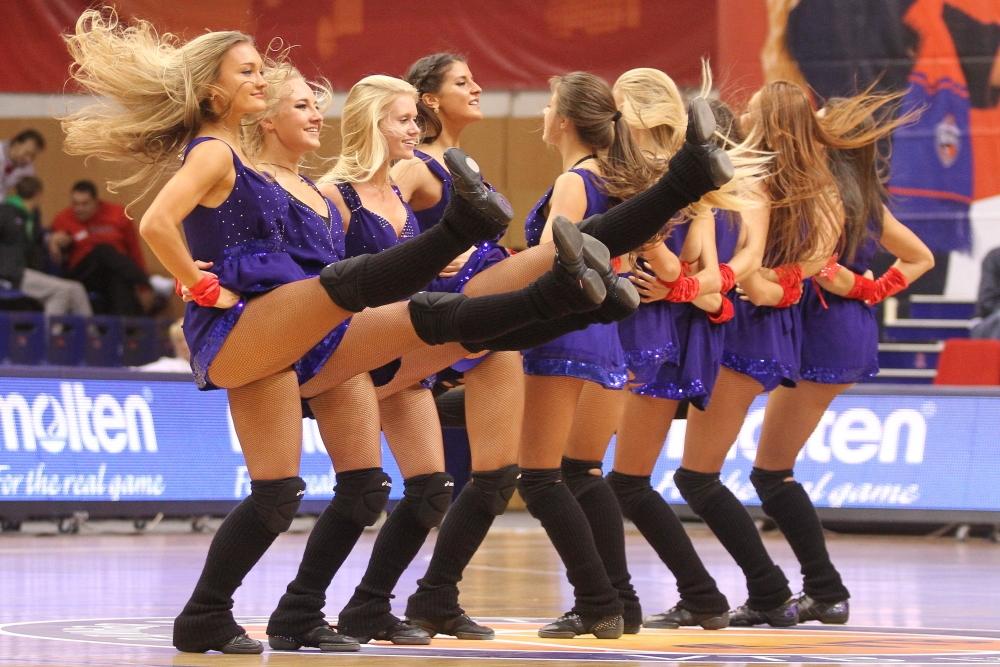группа поддержки цска баскетбол фото девушка