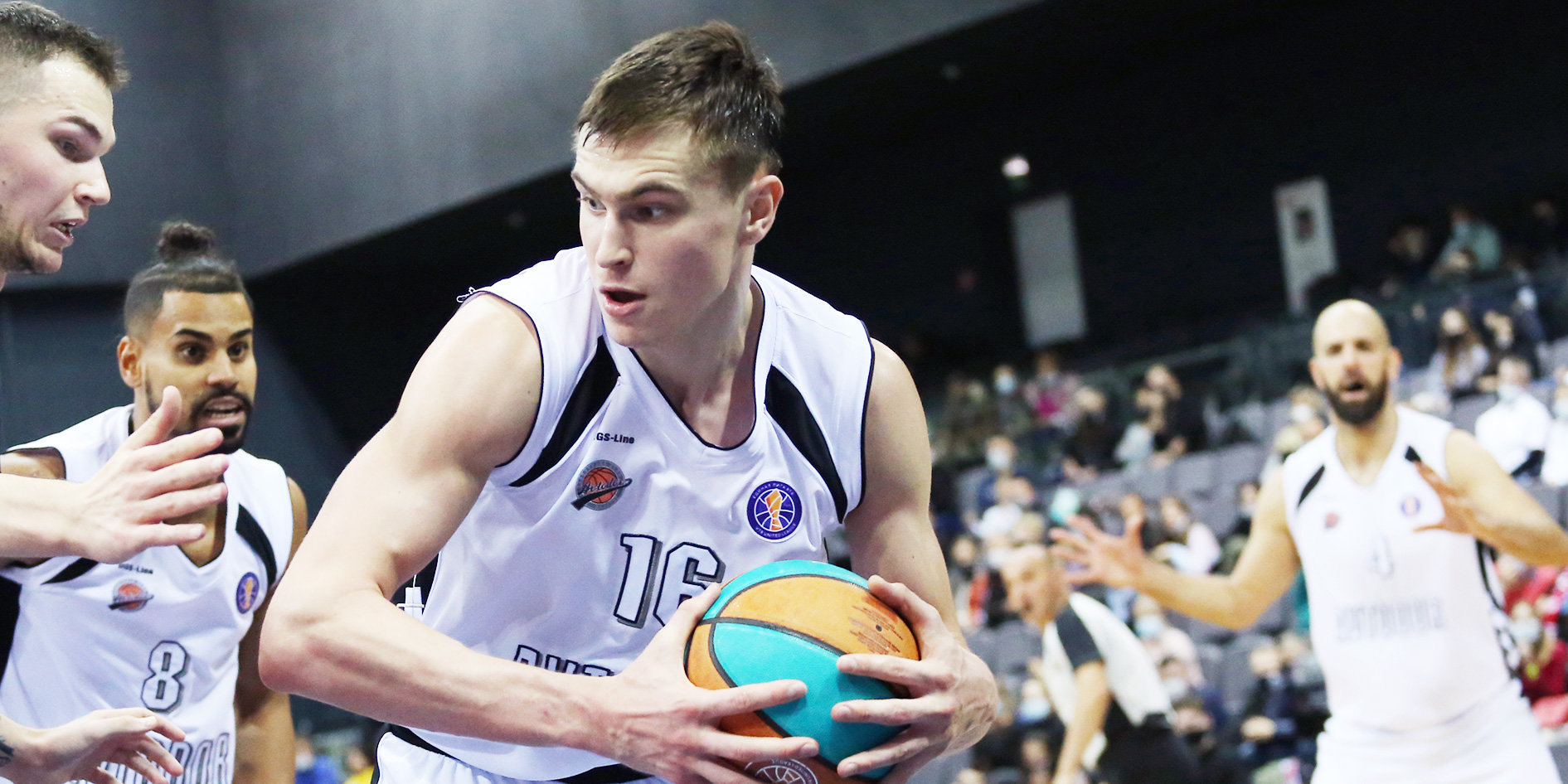 Квитковских и Савков могут дебютировать в сборной России в игре с Эстонией