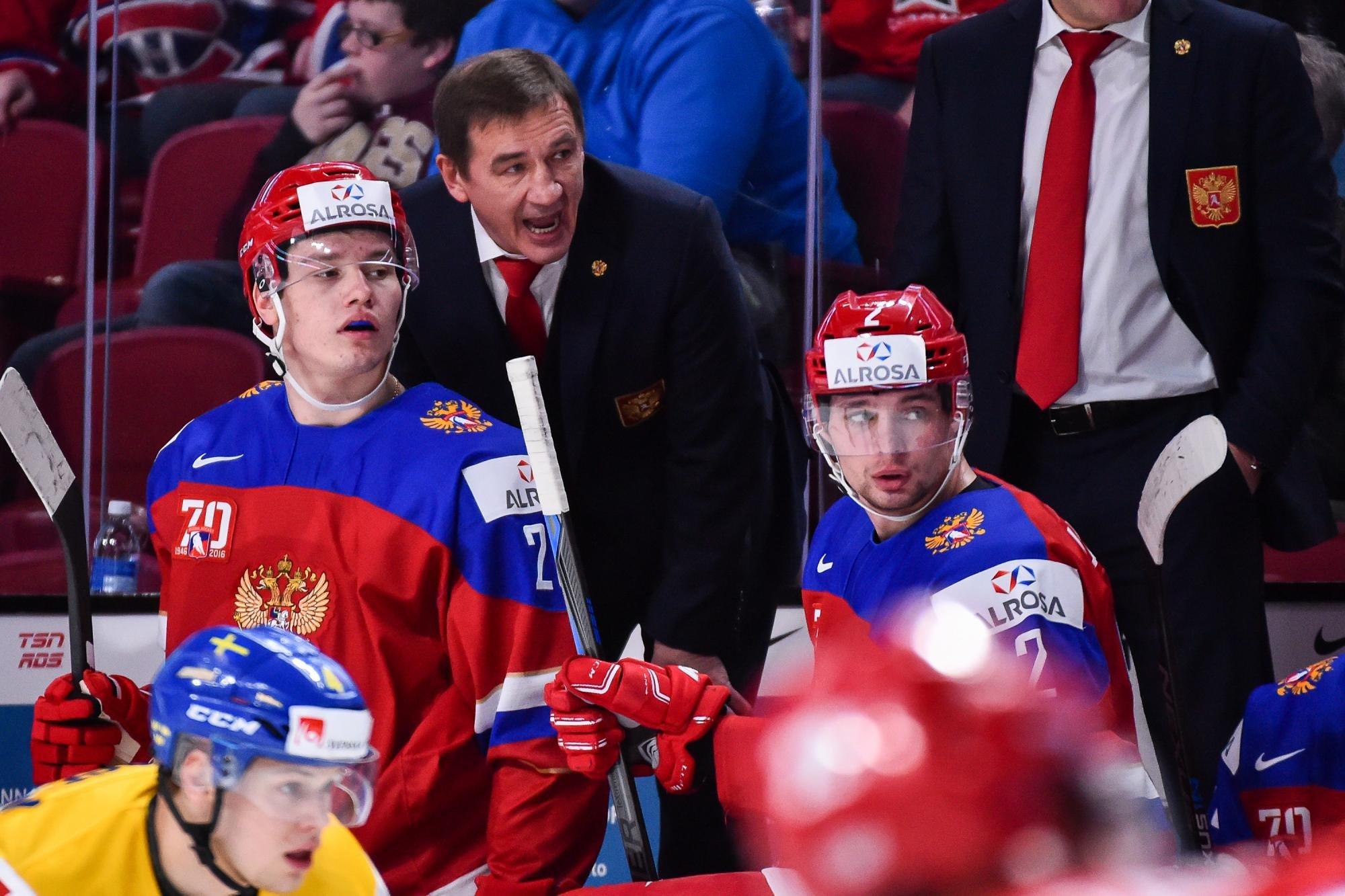 Молодежная сборная РФ похоккею разгромно проиграла команде Канады