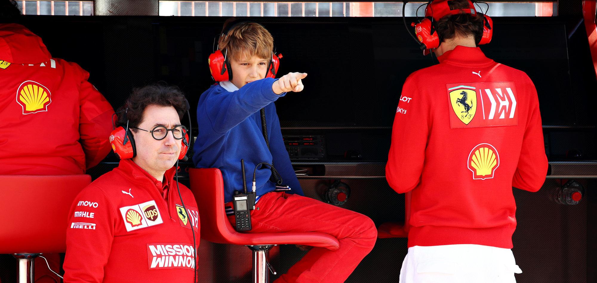 Босс «Феррари» отметил успех россиянина Шварцмана в «Формуле-2»