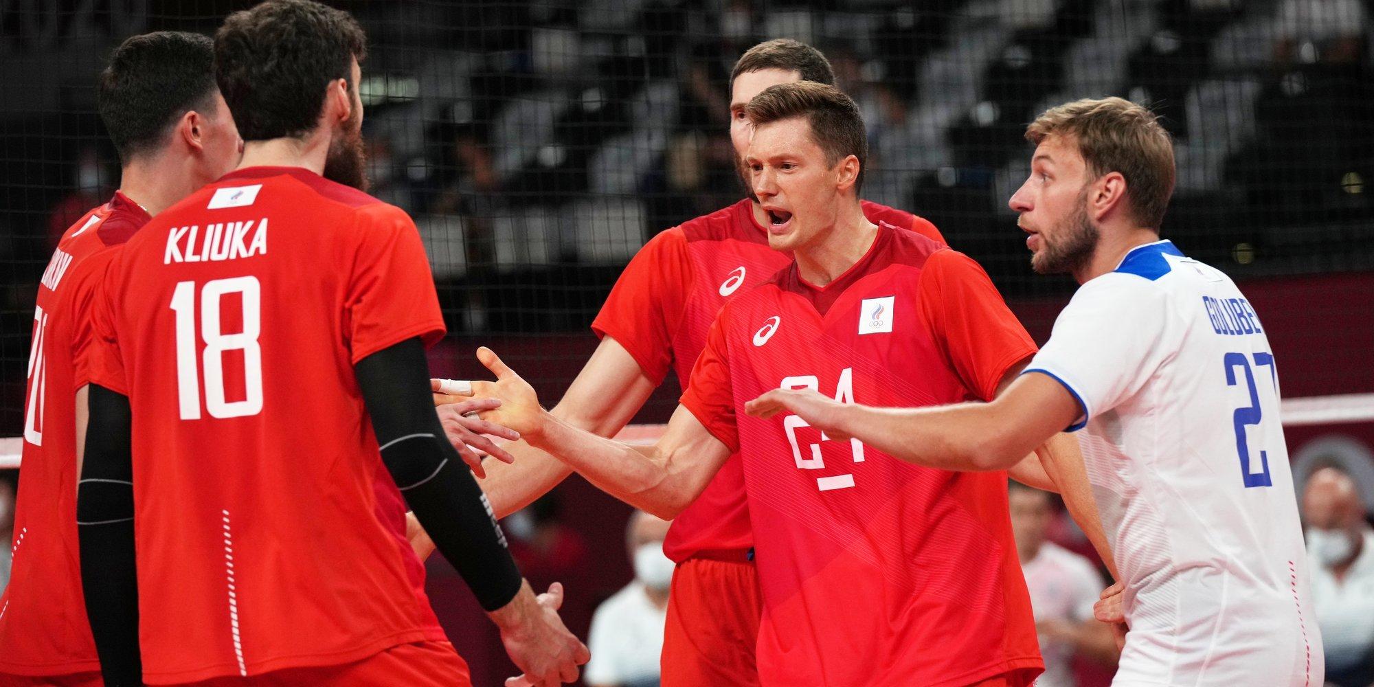 Российские волейболисты победили Украину и вышли в четвертьфинал чемпионата Европы