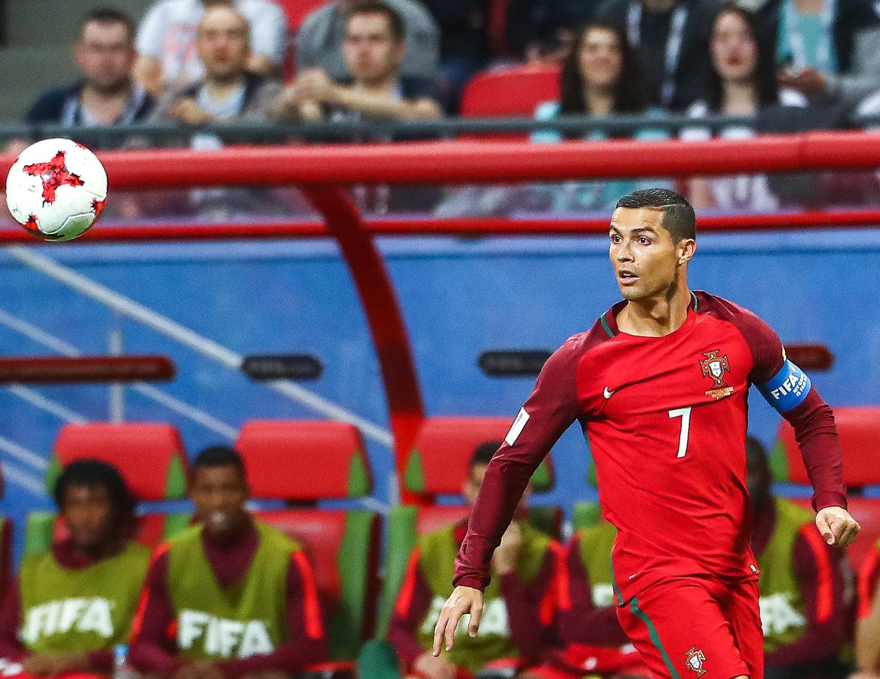 Как хирурги смотрели матч Португалия— Чили вовремя операции